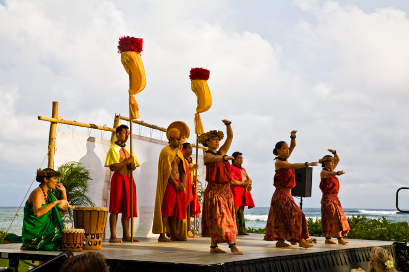 Free hula performances can be found in several places.