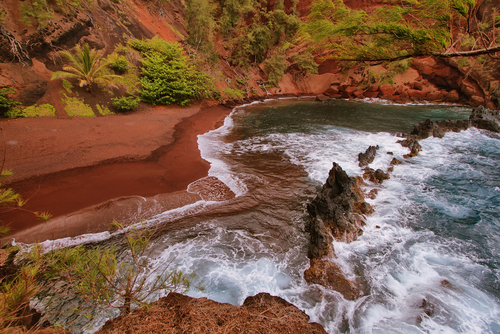 Best Colored Sand Beaches In Hawaii