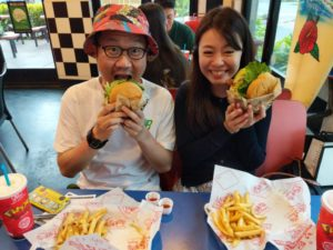 Hawaii's Teddy's Bigger Burgers Are For The Burger Fiends