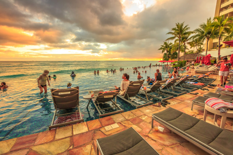 Sheraton Waikiki's infinity pool at sunset | Benny Marty / Shutterstock.com