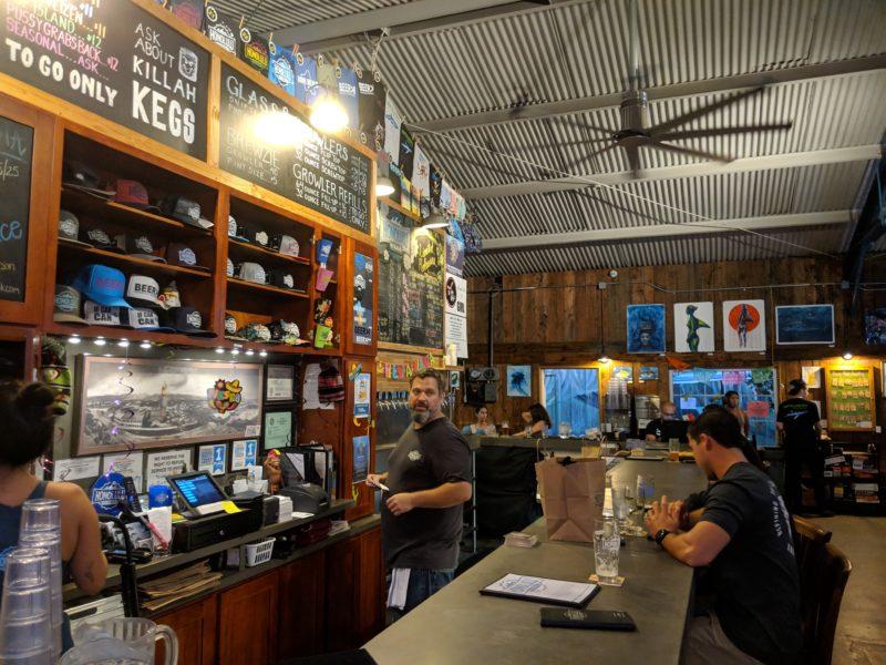The bar at Honolulu Beerworks