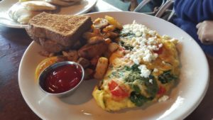 Omelette breakfast at Kula Lodge