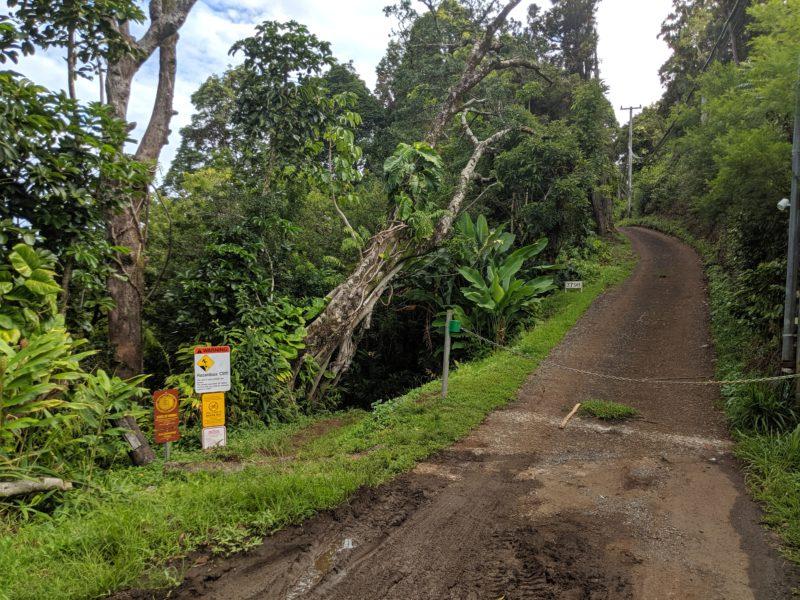 Kalawahine Trail begins on the left.