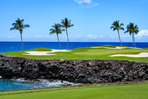 How can you not enjoy golfing right next tot his ocean view?
