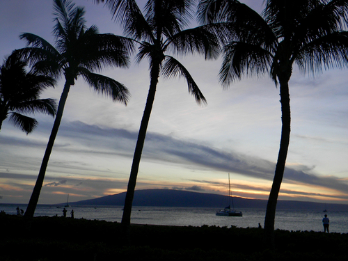 From Kaanapali Beach in Maui, Lanai looks close enough to walk to!