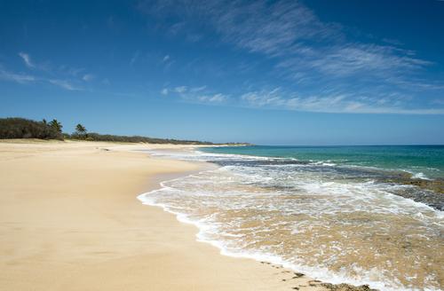 Best beaches in Hawaii: Papohaku Beach. Hawaii travel. Things to do in Molokai. Things to do in Hawaii.